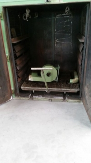 Air-circulating chamber kiln, electrically heated, used