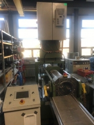 Piston extruder, 180 tons, used